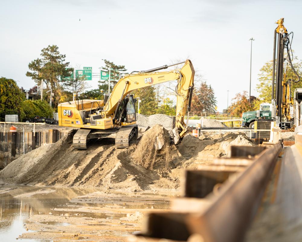 Large Size Of Excavator Lifting Soil